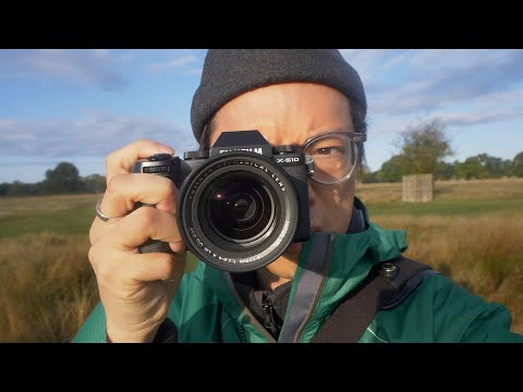 Fujifilm X-S10 - Hands-on Quick First Look Field Test in a Field Test Look