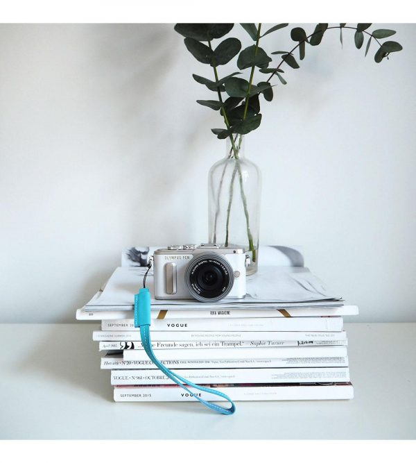 Olympus Pen E-PL8 + 14-42mm EZ valkoinen