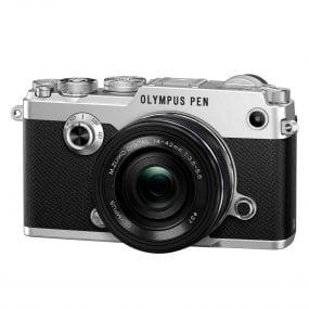 Olympus Pen-F runko hopea + 14-42mm EZ musta