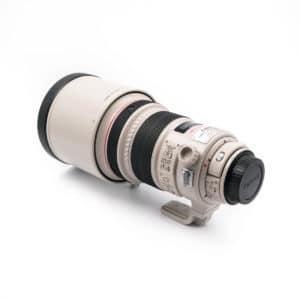 Canon 200mm f/2 L IS USM (Kunto K5, Takuuta 6kk) – Käytetty