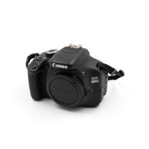 Canon 600D (Shuttercount 2000) - Käytetty