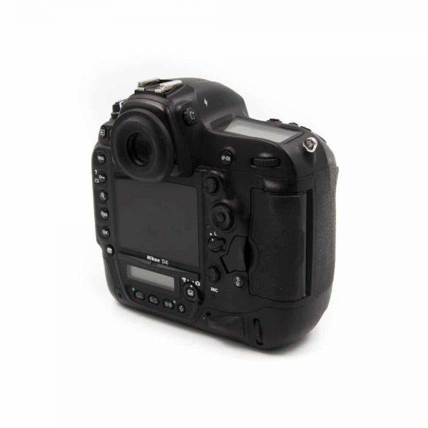 Nikon D4 (Shuttercount 111450) - Käytetty
