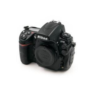 Nikon D700 (Shuttercount 102650) - Käytetty