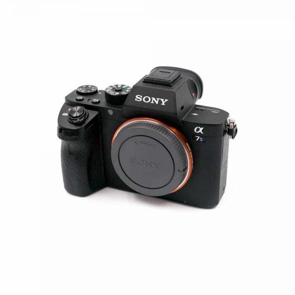 Sony A7S II (K4.5 kunto, Shuttercount 11500 Takuu 6kk) - Käytetty