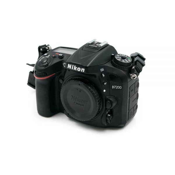 Nikon D7200 (Shuttercount 14600) - Käytetty
