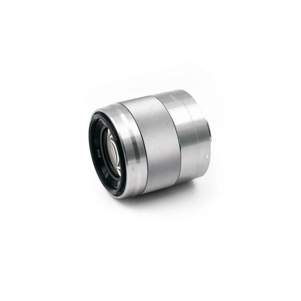 Sony E 50mm f/1.8 OSS Hopea