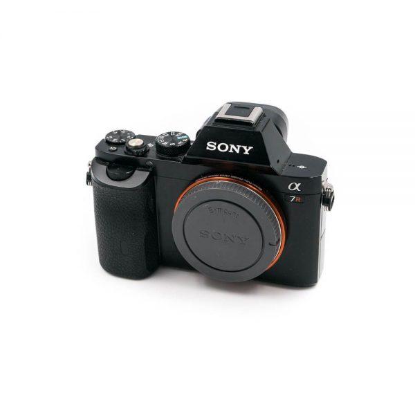 Sony a7r (Shuttercount 4400) - Käytetty