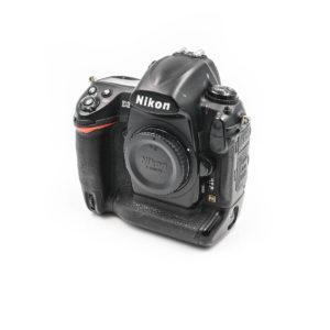 Nikon D3 (Shuttercount 88000) - Käytetty