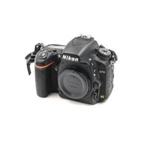 Nikon D750 (Shuttercount 350, Kunto K5, Takuuka 6kk) - Käytetty