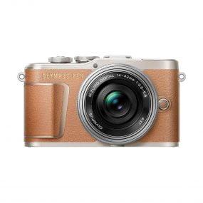 Olympus PEN E-PL9 Ruskea-Hopea + m.Zuiko 14-42mm f/3.5-5.6 EZ ED