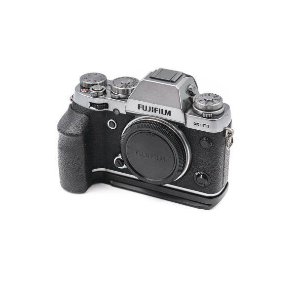 Fujifilm X-T1 hopea + otekahva - Käytetty