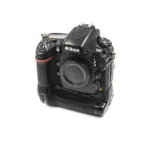 Nikon D800 (Shuttercount 67000) + Meike akkukahva - Käytetty
