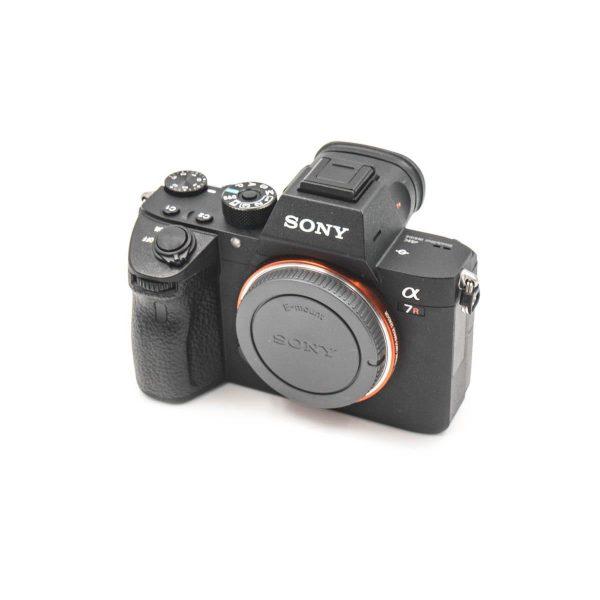 Sony a7r III (Takuuta 47kk, Kunto 4,5) – Käytetty