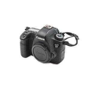 Canon 6D (Shuttercount 11000) - Käytetty