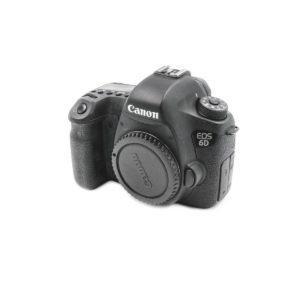 Canon 6D (Shuttercount 82000) - Käytetty