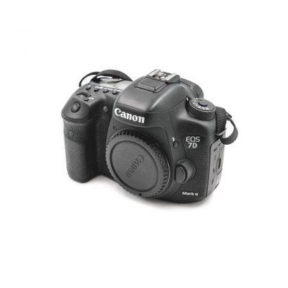 Canon 7D Mark II (Shuttercount 30000) - Käytetty