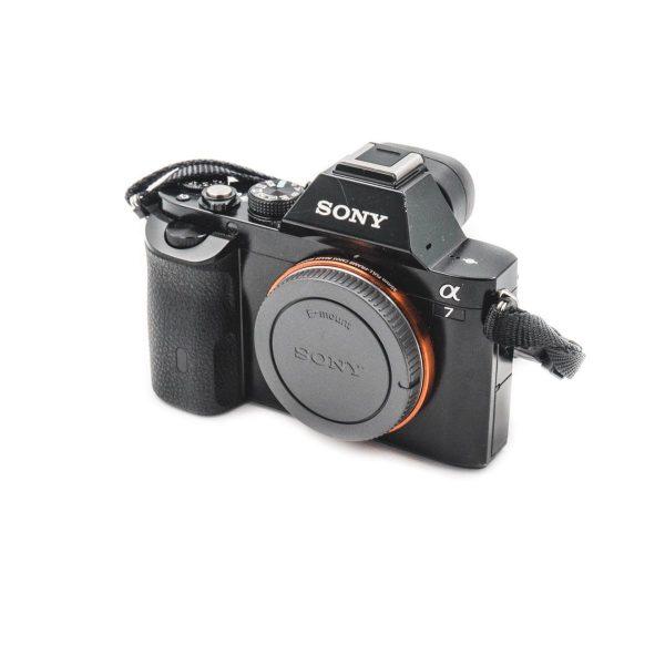 Sony a7 (Shuttercount 15000) - Käytetty