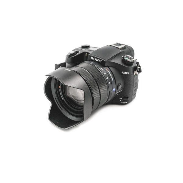 Sony RX10 IV (Takuuta 15kk) – Käytetty