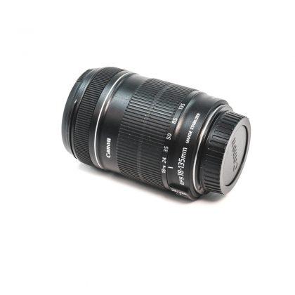 Canon EF-S 18-135mm f/3.5-5.6 IS - Käytetty