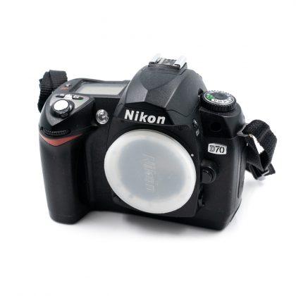 Nikon D70 - Käytetty