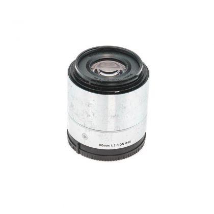 Sigma 60mm f/2.8 Sony E - Käytetty