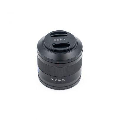 Sony FE Sonnar 35mm f/2.8 (Takuu 12kk, sis. ALV 24%) - Käytetty
