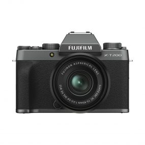 Fujifilm X-T200 Tumma hopea 15-45mm linssin kanssa