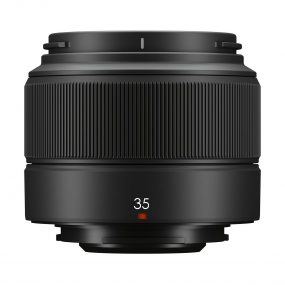 Fujinon XC 35mm f2 sivulta