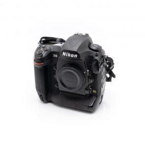 Nikon D5 (Shuttercount 0, Takuu 6kk) – Käytetty