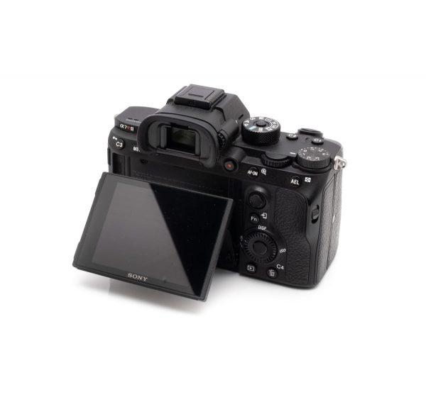 Sony A7R III (Takuuta 12kk, Shuttercount 14000 – Käytetty